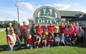 2016 06 29 Class and Instructors in front of Doty sign